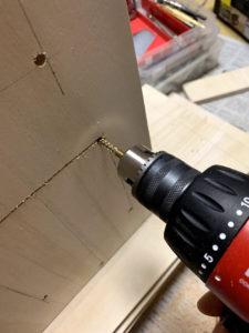ペルチェ式冷蔵庫ペルチェ取り付け穴加工